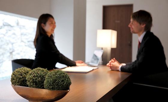 Service Staffs & Concierge
